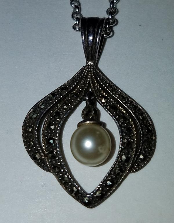 Vintage Sterling Silver Genuine Pearl Drop Pendant Marcasite