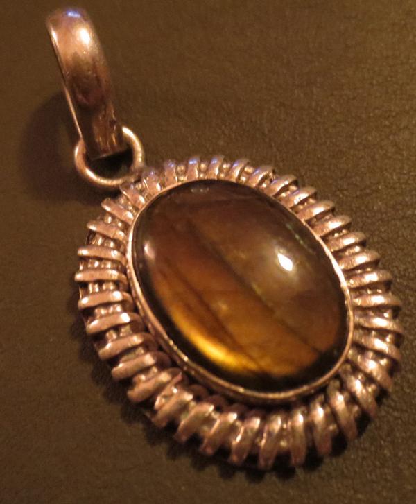Vintage Sterling Silver Genuine Golden Labradorite Pendant