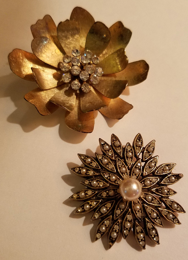 Vintage Lot of Two Rhinestone Gold Flower Brooches Pins