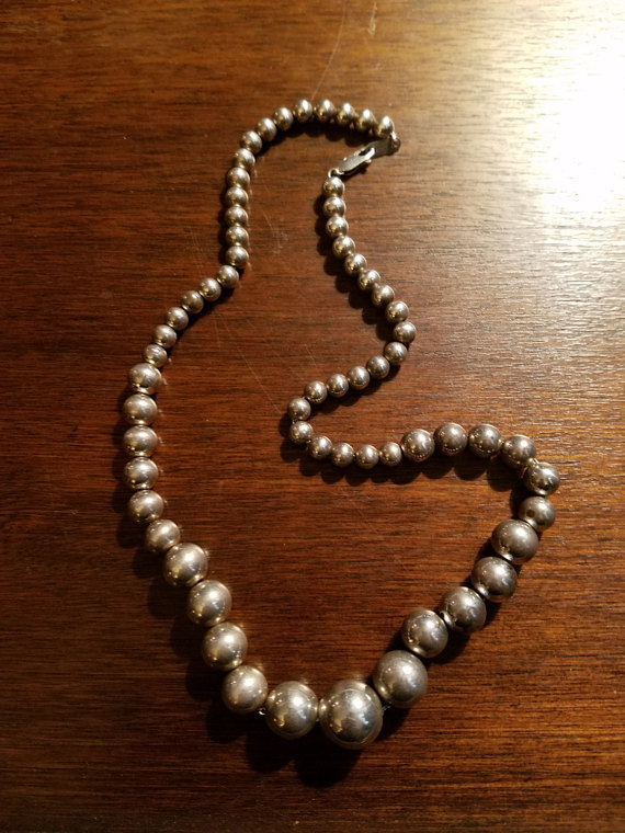 Vintage Antique 1930's Sterling Silver 18 inch Necklace Graduated Beads 12 mm