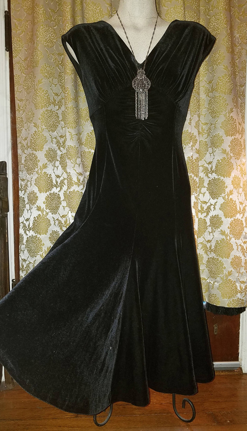 Vintage Black Velvet 1940's Style Fitted Dress, Cap Sleeves, Small