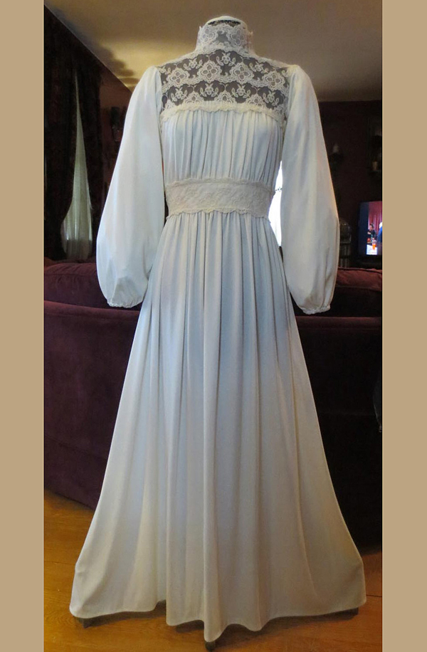 Vintage 1970's Ivory Lace Dress Renaissance Spring Peasant Wedding Gown S/M